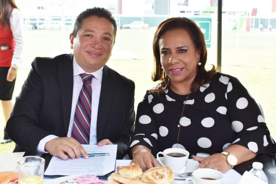 Firma de convenios de vinculación empresarial para la realización de prácticas profesionales y servicio social 2019